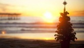 Christmas_graphic___Beach_tree_850500722